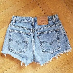 Levi's 550 vintage high waist cut off shorts